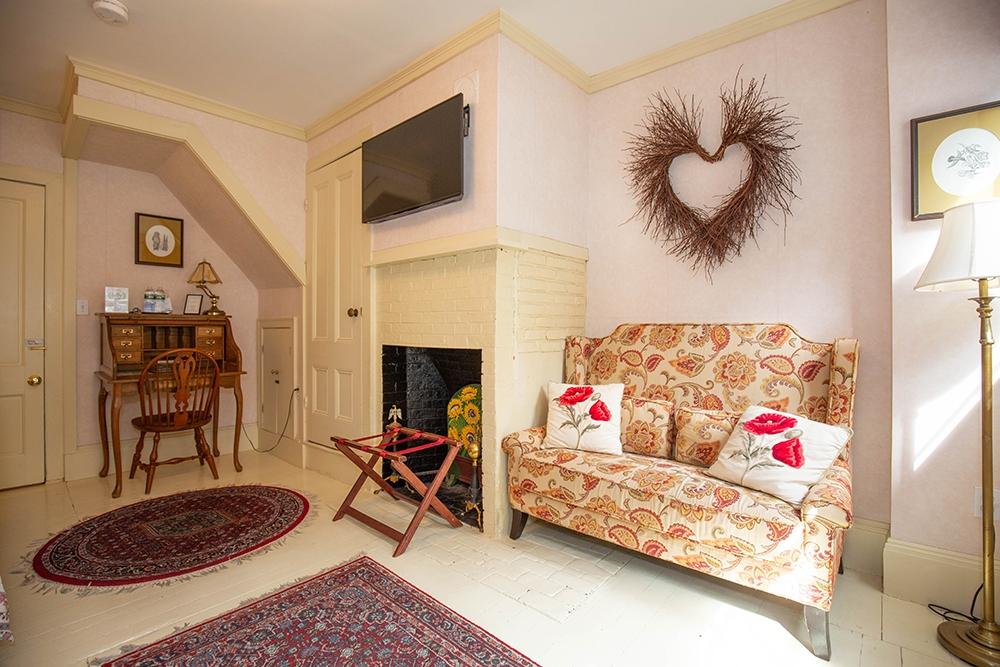 Merrimac Room - Newburyport, MA B&B