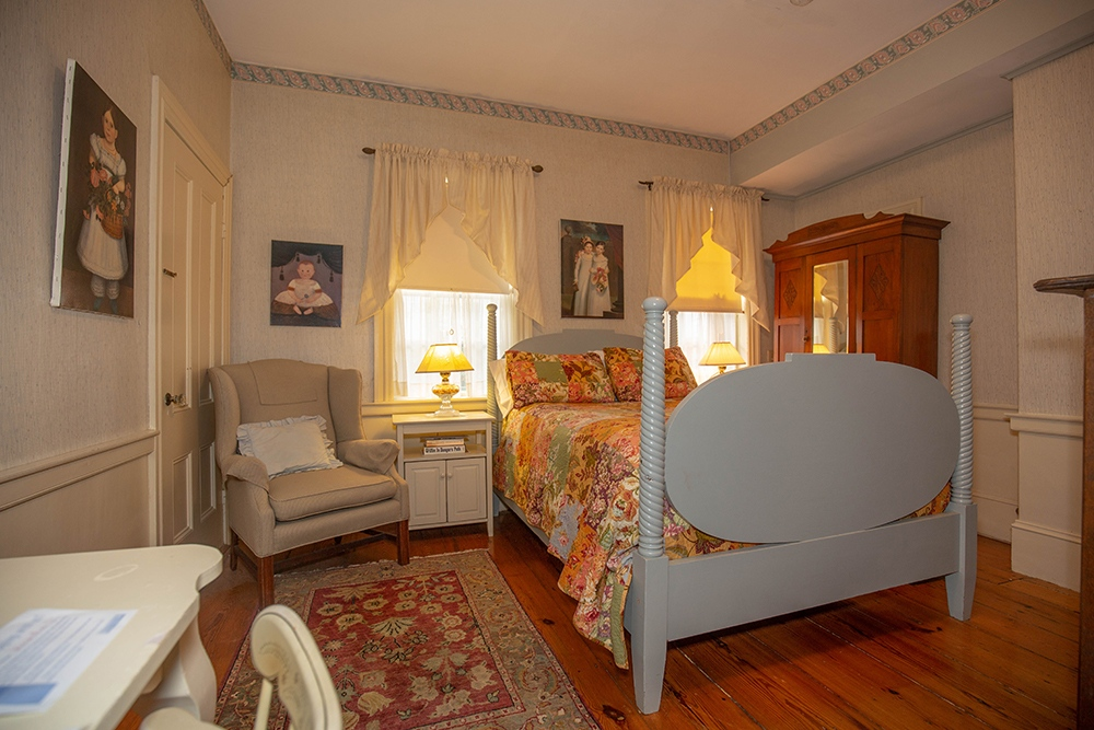 The Pike Room - Newburyport, MA B&B